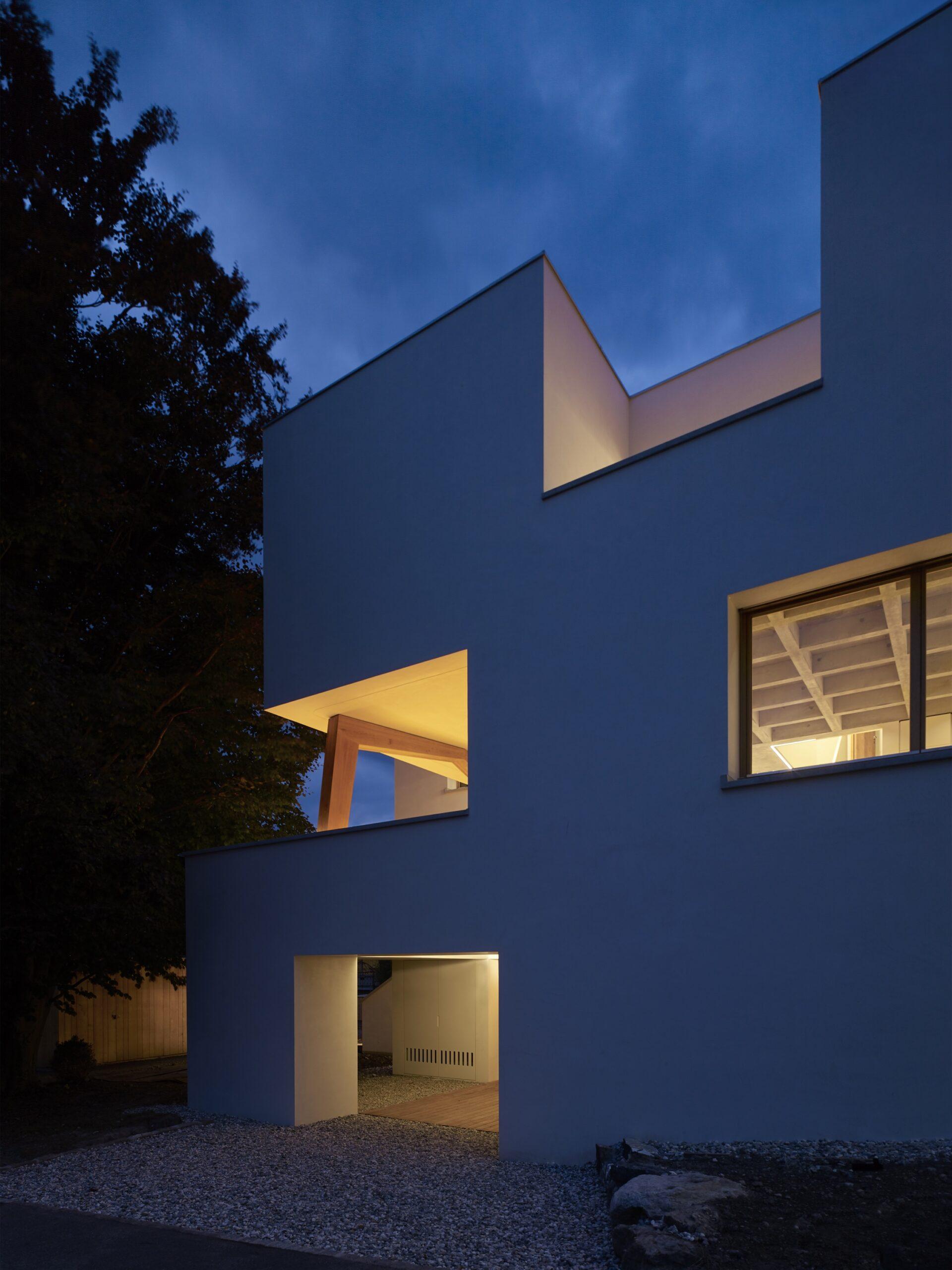 Haus Holdergasse, Fassade bei Nacht, BE Architekten, Olex, Marc Lins